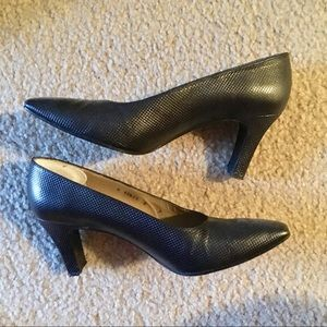 Need to change heel tips Stuart Weizmann 6 Heels